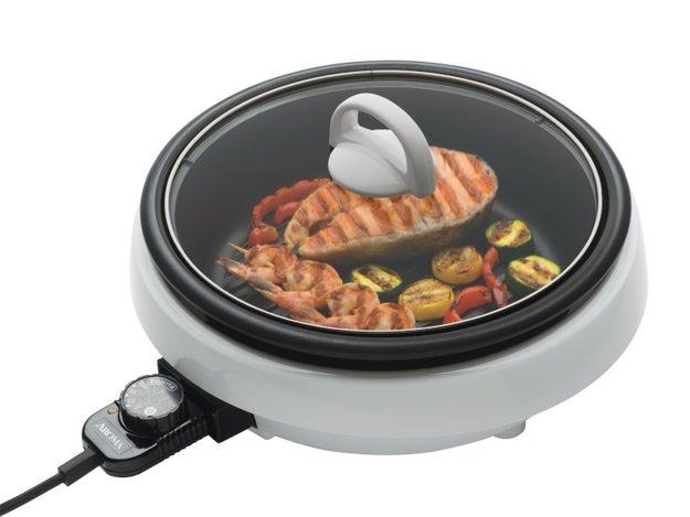 It's a slow cooker! It's a skillet! It's...SUPER POT.