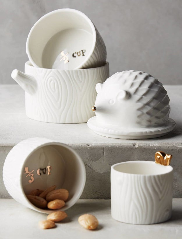 Elegant hedgehog measuring cups that leave you zero excuses not to bake.