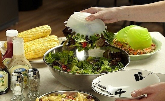 Snap up salad, pasta, and other delicious dishes with this Venus flytrap–like server.