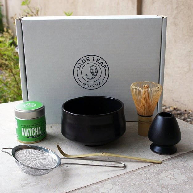 A set complete with everything you need to make matcha.
