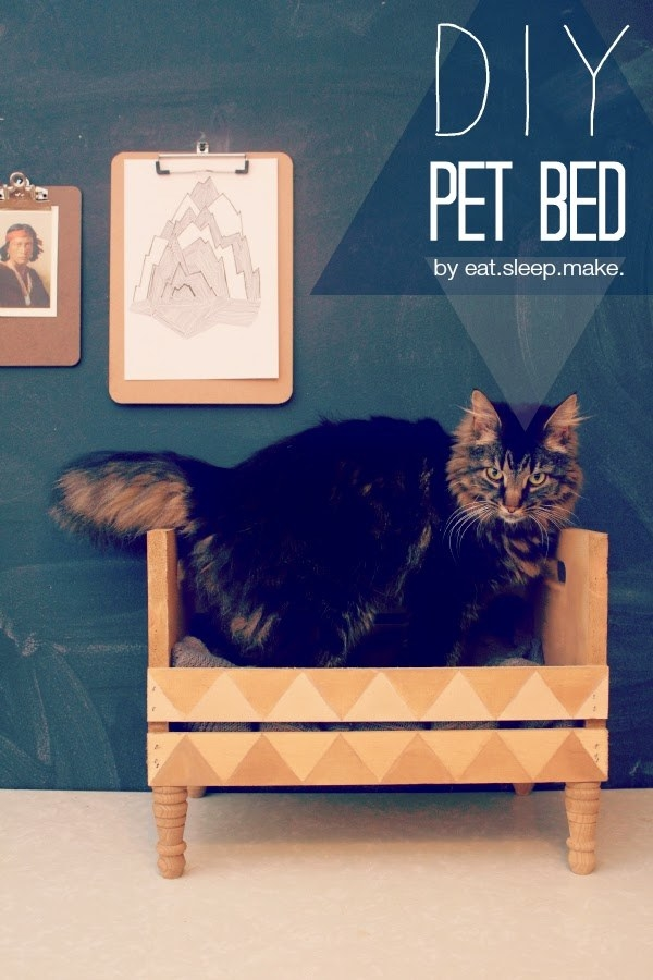 Make a crate pet bed, aka a new throne from which your cat or small dog to deliver some MAJOR Blue Steel.