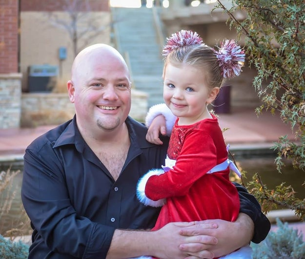 Remember Greg Wickherst? He's the single dad from Pueblo, Colorado who took a cosmetology class so he could learn how to braid his daughter, Izzy's, hair. Well, he's become a total pro since then and completely outdid himself this Christmas.