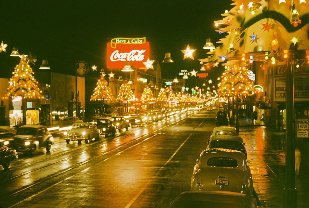 The dreamy atmosphere of Christmas on Hollywood Boulevard in 1950.