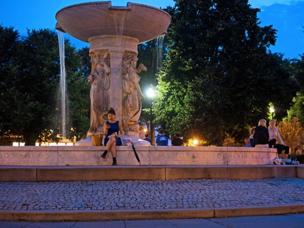 The Dupont Circle Fountain is the perfect meet-up place to start your date night in DC's historic district.