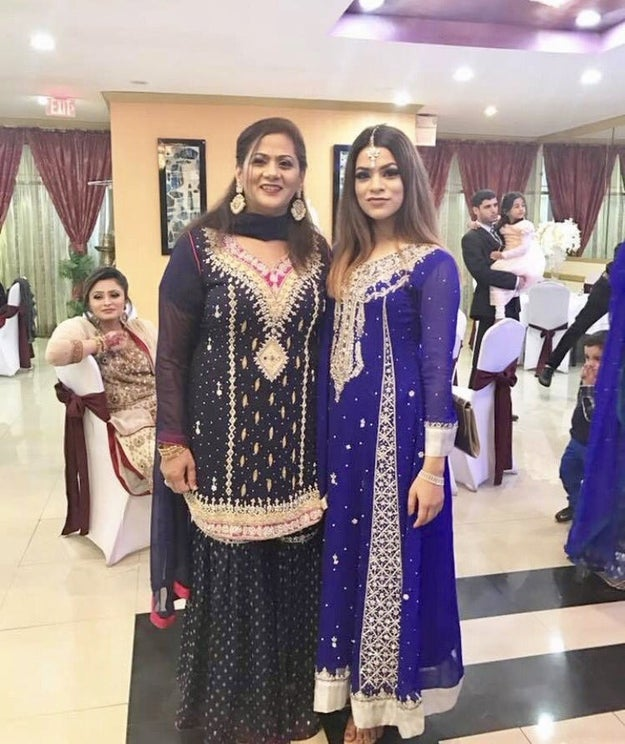 This is 18-year-old Abeera Tariq with her mom, Noreen. Their entire family attended her cousin's wedding recently, and this specific photo was apparently among hundreds of photos taken that day.