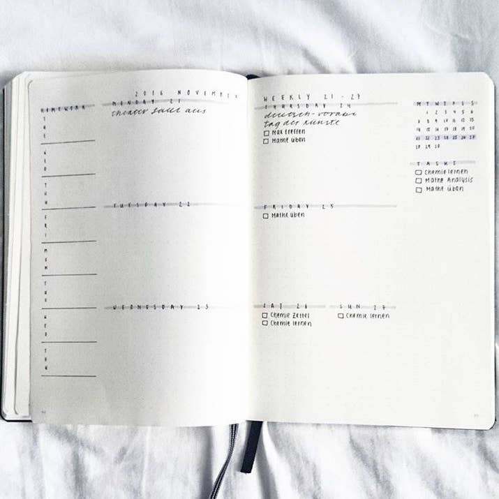 24 minimalist bullet journal layouts thatll get you hard 7 this monochromatic wonder solutioingenieria Choice Image
