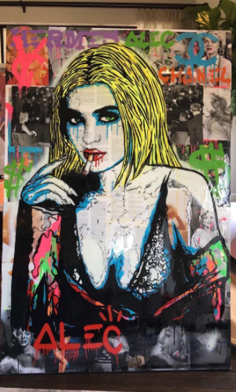 Kylie also got a huge painting of herself all Suicide Squad-y.