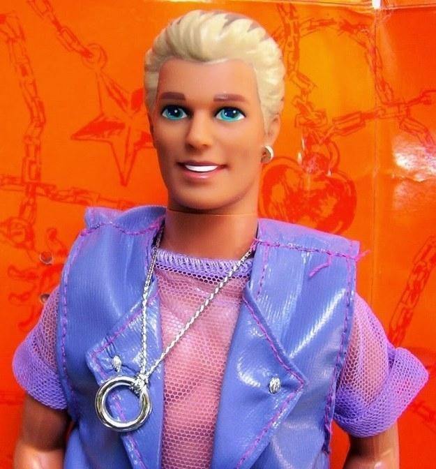 Ken Magic Earring, que fue lanzado al mercado en 1993, se convirtió en todo un éxito de ventas entre los hombres homosexuales, lo que se debía principalmente a su vestimenta (y el hecho de que pareciera llevar un juguete sexual como collar).