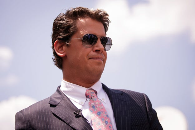 Milo Yiannopoulos, conservative writer and prominent alt-right spokesperson, has received a $250,000 book deal with Threshold Editions, an imprint of Simon & Schuster, according to The Hollywood Reporter.
