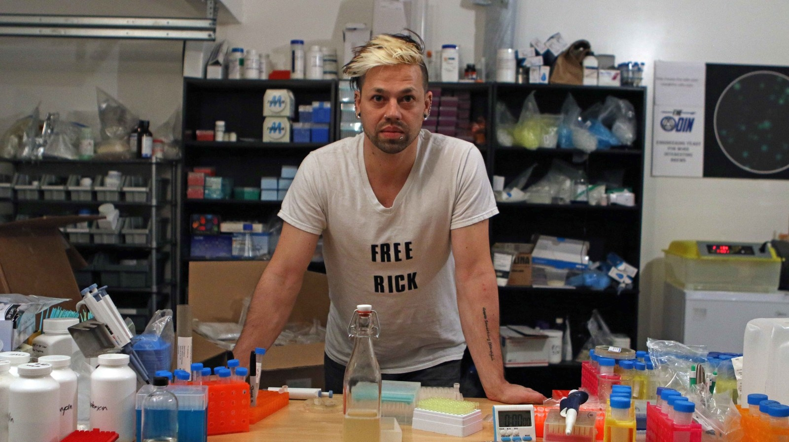 DNA Biohackers Are Giving The FDA A Headache With Glow-In-The-Dark Booze