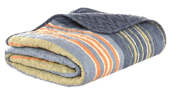 24 Of The Coziest Blankets You Can Get On Amazon