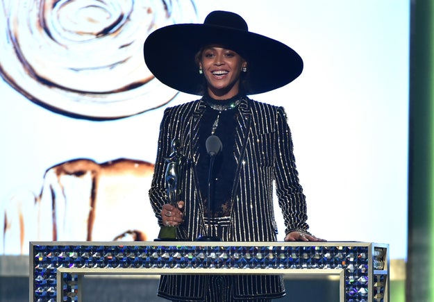 Oh, and did we mention that little ole CFDA Fashion Icon Award she found time to scoop up this year too? And the touching speech she gave about her mother and body image?