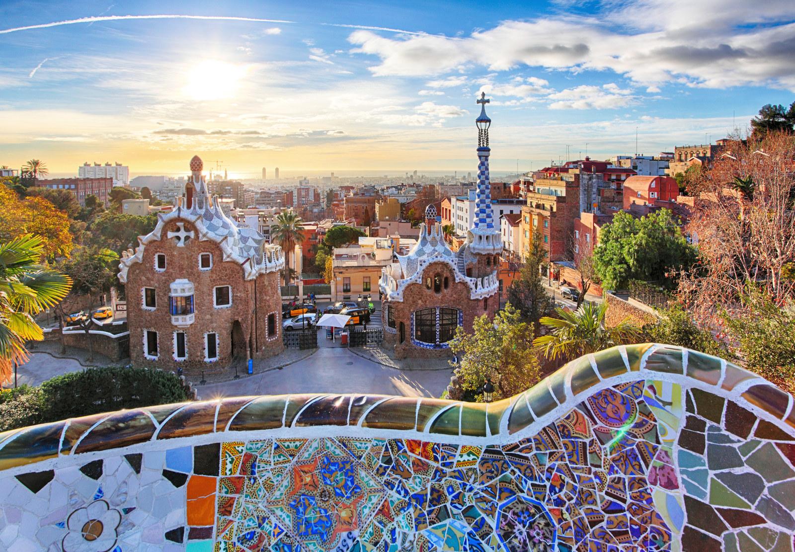 36 Photos That Showcase The Unique Beauty Of Barcelona