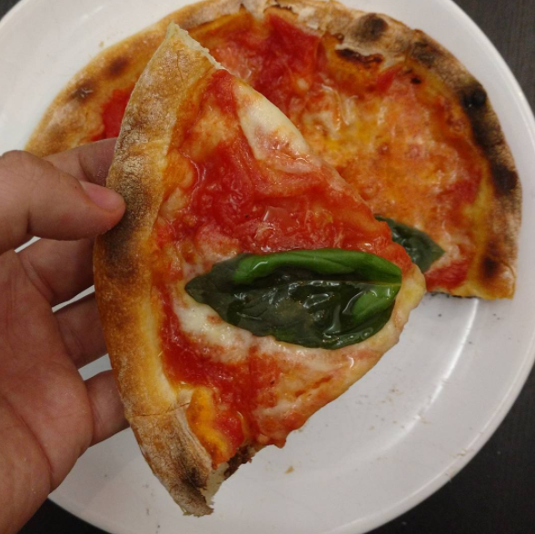 Leftover pizza? Put it in a plastic bag and store it in the freezer. When hunger strikes, just put it in the oven and it will come out crispy and delicious!
