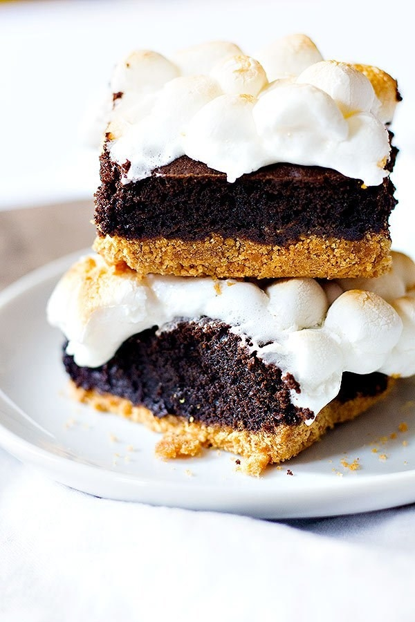 Ooey Gooey S'mores Brownies