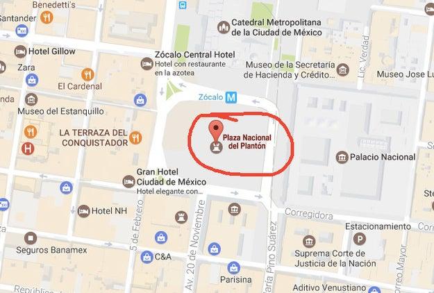 """Aquí, el Zócalo debería llamarse """"Plaza Nacional del Plantón""""."""