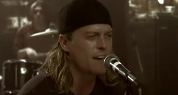 "Puddle of Mudd, ""Blurry"""