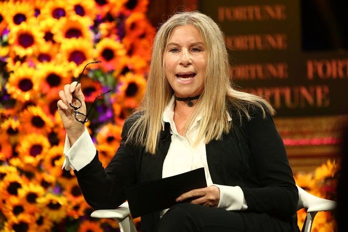 """Barbra Streisand originalmente tenía otra """"a"""" en su nombre. Lo cambió a los 18 años porque quería ser """"única""""."""