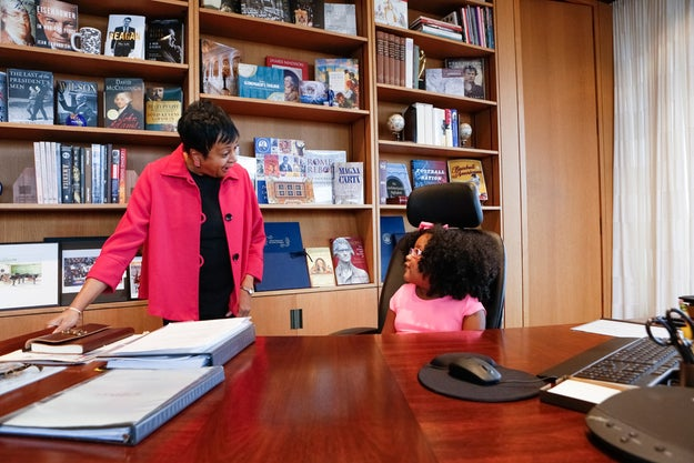 During her two-hour visit, Daliyah met with Dr. Carla Hayden, the 14th Librarian of Congress, who let her sit at at her desk and talked about — what else? — books.