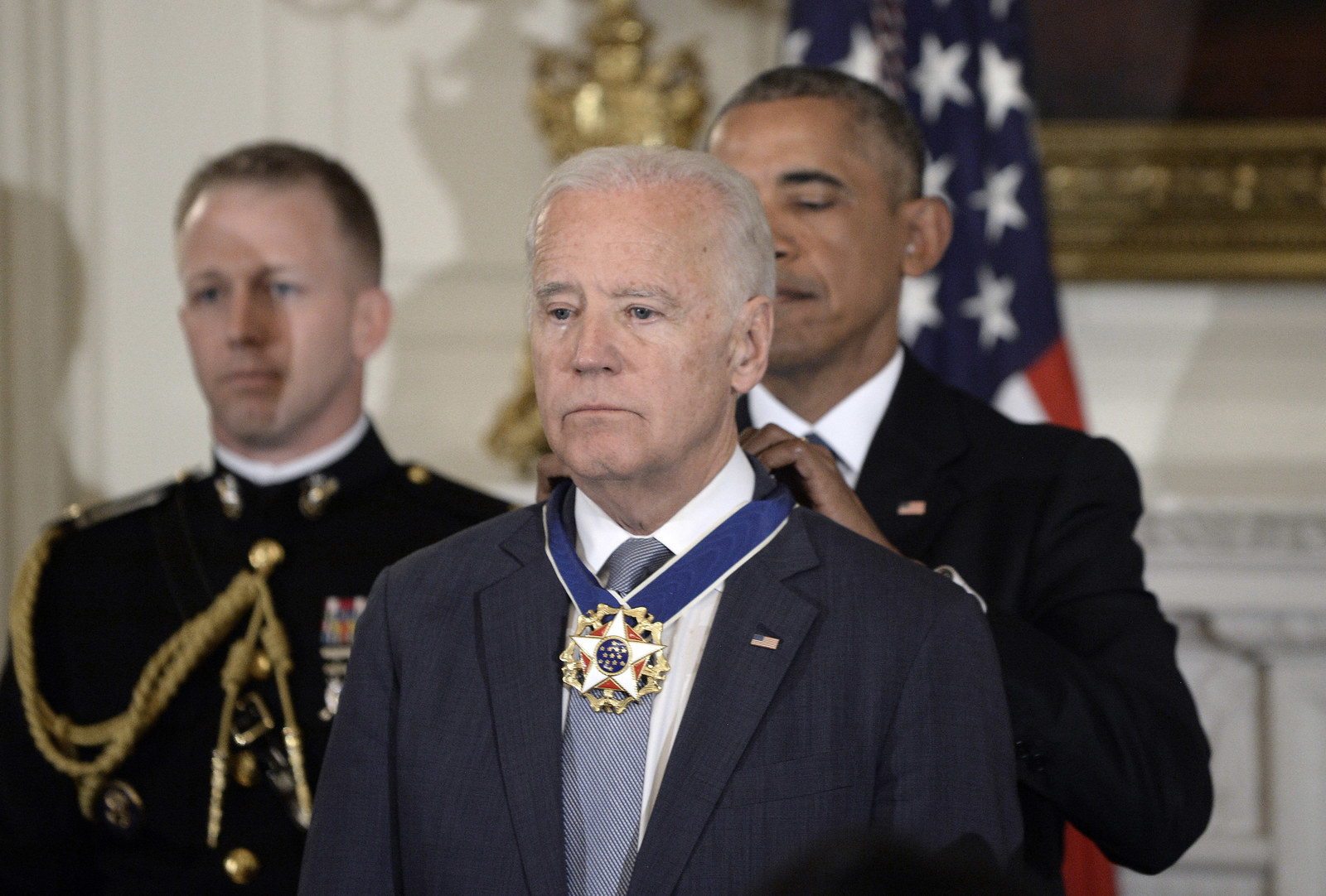 sub buzz 31296 1484397134 3?downsize=715 *&output format=auto&output quality=auto obama surprising biden with the medal of freedom has been turned