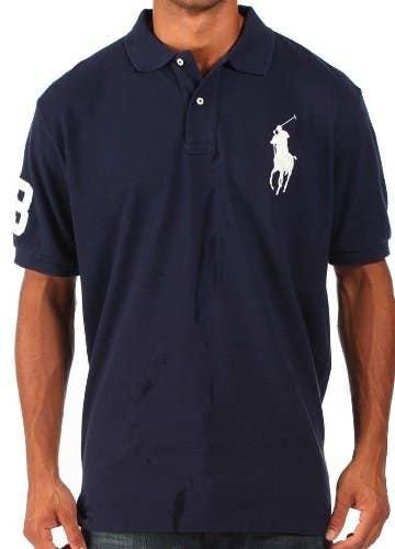 2. Camisetas com logotipos gigantescos. 915e87019096b