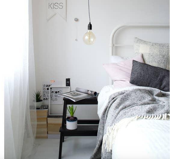 18 niskobudżetowych inspiracji, dzięki którym małe mieszkanie będzie wyglądać na większe