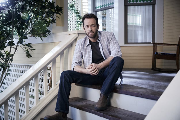 We also get to see Luke Perry as Archie's dad, Fred Andrews, local business owner and all-around Chill Guy...