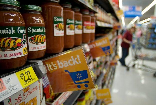 Les prix dans les magasins qui sont affichés sans la TVA.