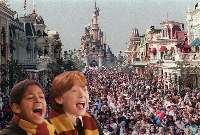¿Creéis que los estudiantes muggle se recuperaron del estrés causado por saber que Voldemort estuvo en Hogwarts todo el año yendo de viaje a Disneyland París?