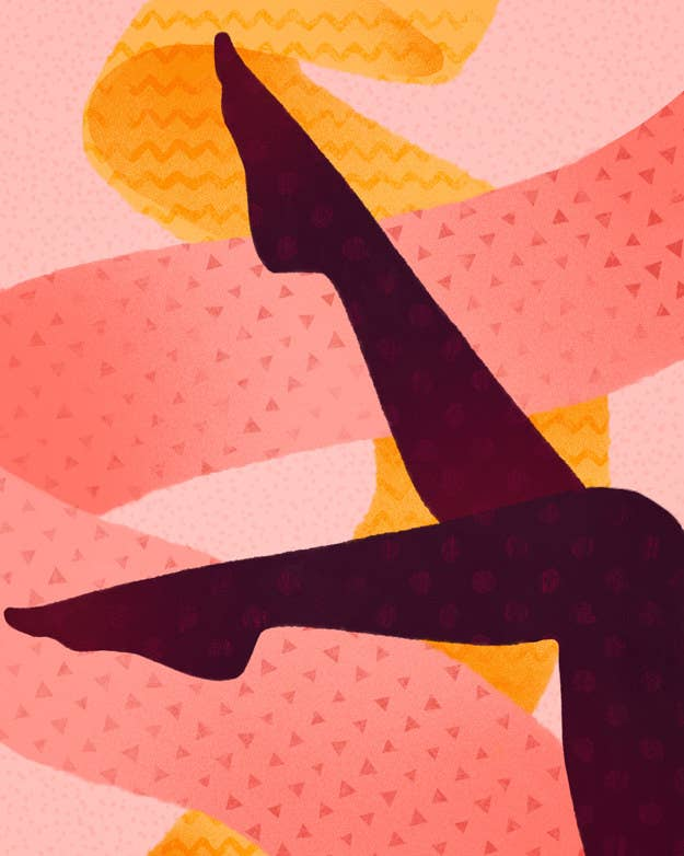 Everything You Need To Know About The Leggings Taking Over Your Facebook
