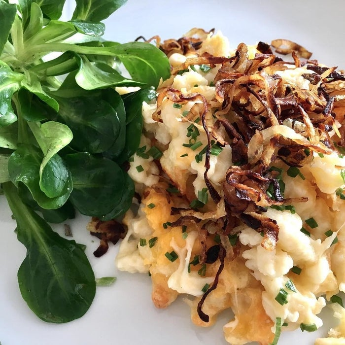 Ever heard of Spätzle? No? Oh wow you are in for a treat! Spätzle are a very special kind of noodles. And Kasnockn are a very special kind of Spätzle. Panfried with cheese and onions. The best hangover food in the world. Trust me.
