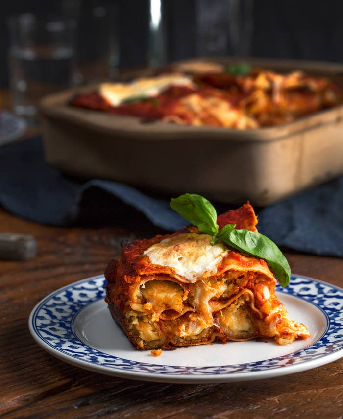 You'll need: Farm Rich mozzarella sticks, 1 package lasagna noodles, 1 jar tomato sauce, 1 cup fresh mozzarella Directions: Bake mozzarella sticks for 10 minutes at 450ºF or until they reach an internal temperature of 165ºF. Remove from oven and preheat oven to 375ºF. In large pan, layer noodles, tomato sauce, and mozz sticks. When layering is done, top with fresh mozzarella. Bake for 35 minutes. Let cool and get eatin'.