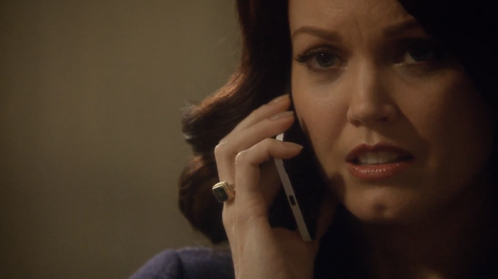 Mellie (Bellamy Young) on the phone with her opponent, Frankie Vargas (Ricardo Chavira).