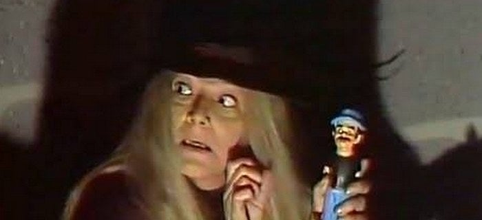 Nunca mais você conseguiu olhar para a Dona Clotilde da mesma forma.