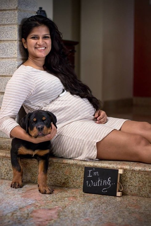 This Pregnant Couple Did A Perfect Photoshoot After Being ...