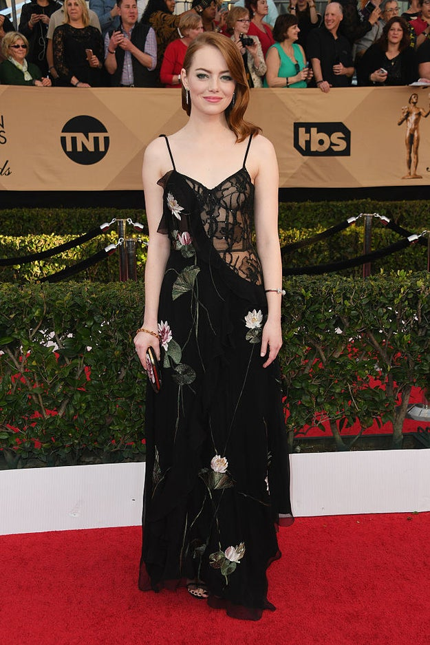 Wearing Alexander McQueen, Emma somehow managed to look classy, sexy, AND ~cool~ all at the same time.