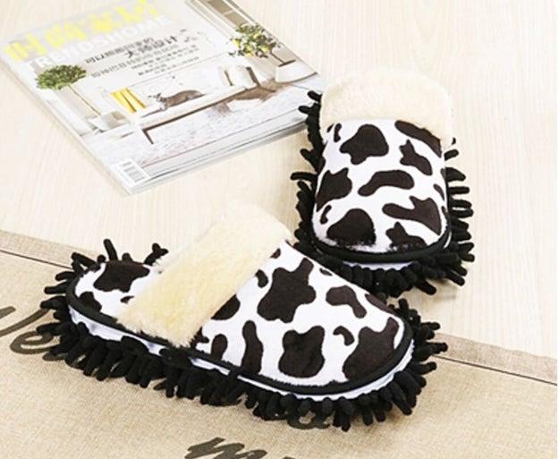 Estas pantuflas no solo son cómodas y tienen un diseño divertido, también sirven para limpiar el piso ($436).