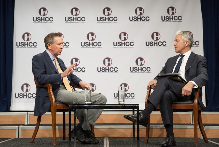 Former presidential candidate Gov. John Kasich (L) speaks with Javier Palomarez (R), president & CEO of the United States Hispanic Chamber of Commerce in 2015.