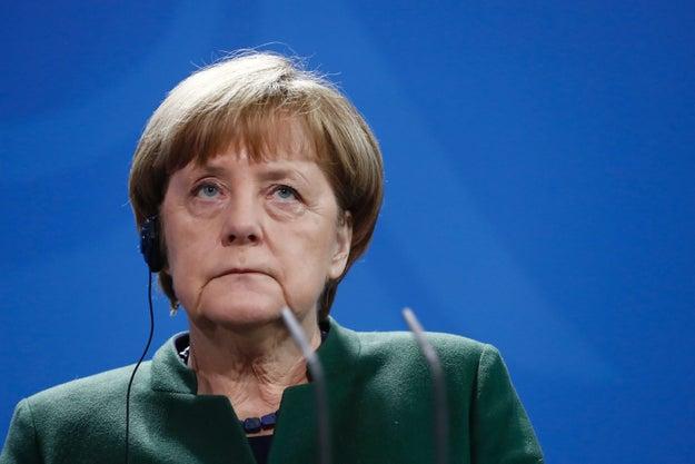 Merkel renews criticism of Trump's refugee ban