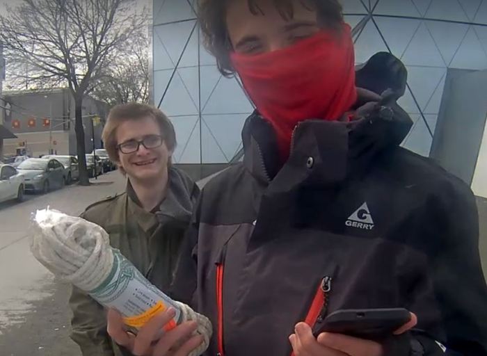The man claiming to be TheBigKK posing on the #HeWillNotDivideUs livestream with a noose.