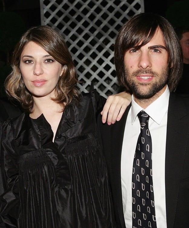 Ambos son primos del actor Jason Schwartzman.