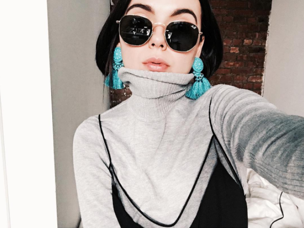 Get these earring in black for $13 at H&M. Get more style inspiration from @dearmilano.