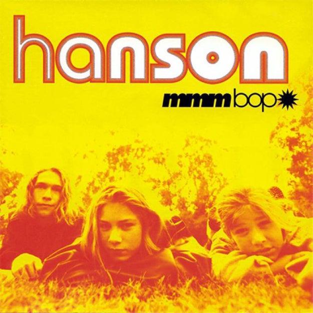 """A música pop mundial também mudou em 1997. O clássico """"MMMBop"""" foi lançado pelos irmãos Hanson."""