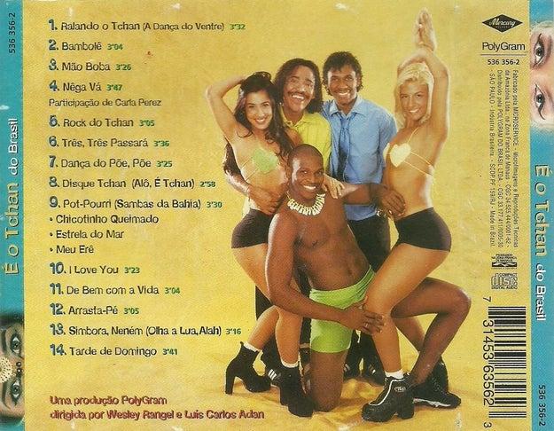 """É o ano de lançamento do clássico """"É o Tchan do Brasil"""" e dos sucessos """"Ralando o Tchan (Dança do Ventre)"""", """"Bambolê"""" e """"Disque Tchan""""."""