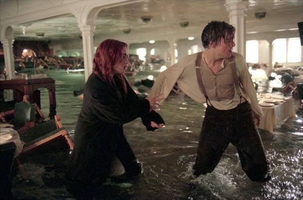 """E foi neste ano, sim, há 20 anos atrás, que todo o mundo parou para ver o romance de Jack e Rose no filme """"Titanic""""."""