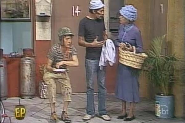 Em casa, você adorava ver televisão, vendo seus programas favoritos do SBT, da Globo, da Cultura.