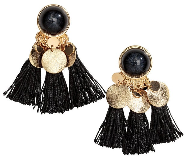 These earrings that are worth all the tassel.