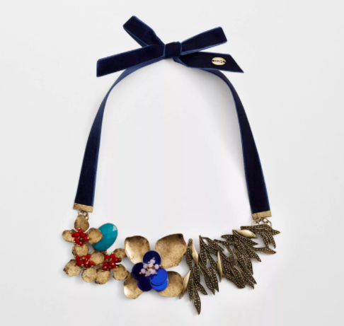 This necklace that'll give you all the flower power you need.