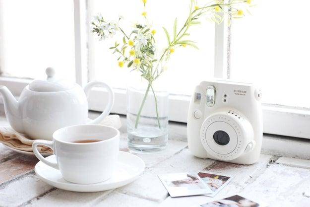 Si siempre quisiste una cámara instantánea, ésta que saca fotos miniatura te va a encantar ($1349).