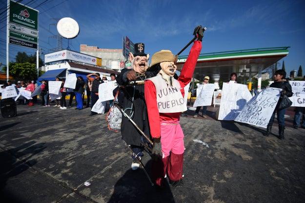 El jefe de gobierno de la CDMX, Miguel Ángel Mancera, afirmó que tan solo en la ciudad, el 4 de enero se registraron 38 manifestaciones.